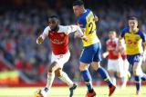 Lacazette dan Mkhitaryan Antar Arsenal Naik ke Peringkat Empat Klasemen