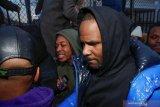 Bukti video R Kelly diserahkan ke penyidik
