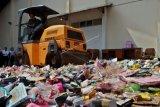 Pemusnahan barang bukti kasus kosmetik ilegal