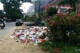Ditemukan di pinggir jalan, Warga Kendari diimbau patuhi jadwal membuang sampah