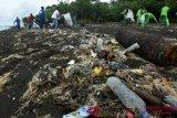 Makassar kampanyekan bahaya mikroplastik di hari kanker sedunia