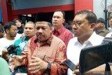 Ahmad Dhani batal ditahan di Surabaya