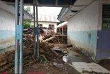 BPBD dirikan tenda pengungsi banjir bandang Mamuju