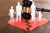 Penyebab perceraian di daerah ini masih tinggi, disebabkan faktor ekonomi