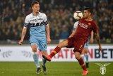 Manchester United mengincar gelandang serang Lazio