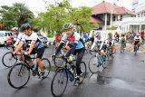 Ganjar antar rombongan pesepeda Jelajah Trans Jawa hingga ke Kendal