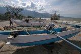 Bantuan perahu korban tsunami