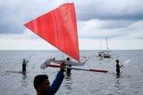 Lomba perahu layar Sandeq mini