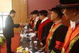 Elwi Danil; Semangat belajar dr. Deri Mulyadi patut ditiru