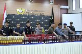 BC Tembilahan amankan ratusan karton miras Illegal senilai 4 miliar