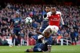 Hukuman dikurangi, Lacazette bisa tampil melawan Rennes