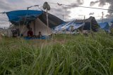Korban bencana masih di tenda