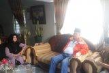 Wagub Sumbar jenguk orang tua Zulfirman Syah,  keluarga segera ke Selandia Baru