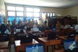 Ribuan siswa kelas IX SMP Manado ikut simulasi UNBK