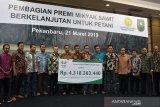 Petani Riau dan Jambi Terima Rp4,3 miliar premi minyak sawit berkelanjutan