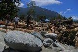 Ratusan keluarga terdampak banjir Sentani dapat bantuan dana