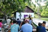 Jemaat GKI Moria Kampung Putali gelar ibadah di atas perahu