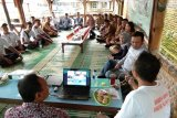 Sembilan kepala desa di Banggai studi banding pengelolaan Bumdes di Jawa