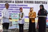 Kementerian PDTT menyerahkan bantuan desa tertinggal di Lombok