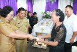 Pemkab Mitra wajibkan penerima bantuan miliki KTP