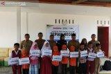 ACT beri beasiswa untuk pendidikan 10 anak Bintan