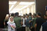 Jokowi tegaskan TNI-Polri  harus jaga netralitas
