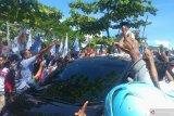 Prabowo disambut meriah ribuan pendukungnya di Padang