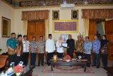 Sleman menyerahkan bantuan bencana tsunami di Pandeglang Banten