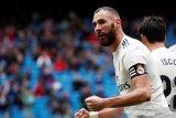 Benzema bangkitkan Madrid dari ketertinggalan dan atasi Eibar 2-1
