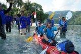 Caleg NasDem kampanyekan bersih laut di Karimunjawa