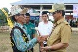 Hadiri Ulang Tahun Desa, Gubernur Ajak Masyarakat Jaga Kekompakan
