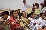 Gubernur Sulsel ingatkan Bone perhatikan nelayan dan petani rumput laut