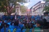 Ribuan mahasiswa kepung Kantor Gubernur Aceh