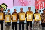 Direktur Utama Angkasa Pura I Raih Penghargaan Anugerah Indonesia Maju