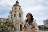 Sutradara Indonesia di AS Livi Zheng nyoblos di Los Angeles