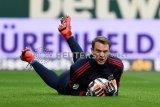 Neuer diperkirakan absen lama karena alami cedera