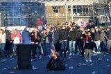 Jelang Liga Champions, 54 Fan Ajax dipulangkan akibat bawa senjata