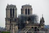 Kampanye  Macron  ditunda sehubungan kebakaran Notre-Dame