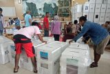 Trans Mimika kerahkan helikopter angkut logistik pemilu ke pedalaman