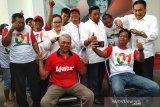 Jokowi menangi hitung cepat, puluhan kader PDIP cukur gundul