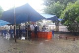 Hujan deras warnai pencoblosan susulan di Jayapura Selatan