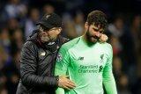 Alisson tegaskan Liverpool tak terpengaruh tekanan di Liga Inggris