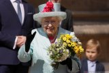 Ratu Elizabeth dijadwalkan jenguk cicitnya