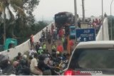 15 orang terluka akibat dua bus mengalami rem blong di jalur puncak,