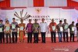 Menteri ATR/BPN serahkan 41.247 sertifikat di daerah ini