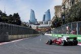 Hampir mencelakai petugas lapangan di Baku, Sean Gelael harus rela start dari belakang garis start