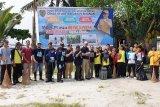 DKP Kalteng bersihkan dan tanam mangrove di Kotawaringin Barat