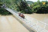 Kementerian PUPR akan bangun 166 unit jembatan gantung