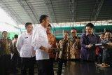 Presiden Jokowi makan siang bersama buruh Tangerang