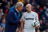 Pablo Zabaleta perpanjang kontrak bek West Ham United